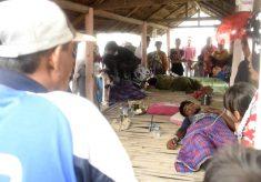 TEROMBANG AMBING 8 HARI, 80 PENGUNGSI ROHINGYA MYANMAR AKHIRNYA TERDAMPAR DI BIREUN ACEH